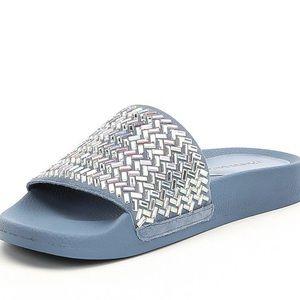 Gemellatwo Jeweled Suede Pool Slide Sandals TrLKyJfPs